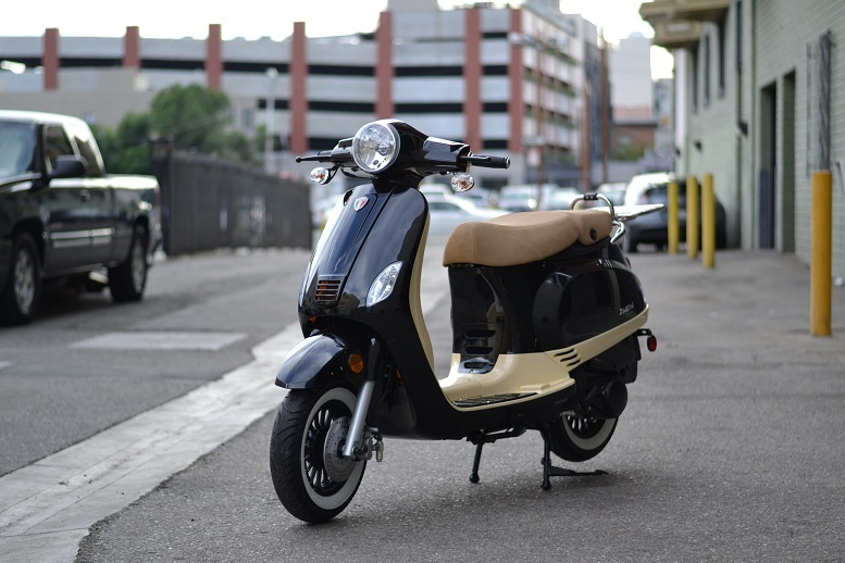 Amigo Znen ZN150T-30A 2 TONE 150cc Street Legal Scooter, 149 6cc, 4 Stroke,  Air Cooled - TXPowersports com