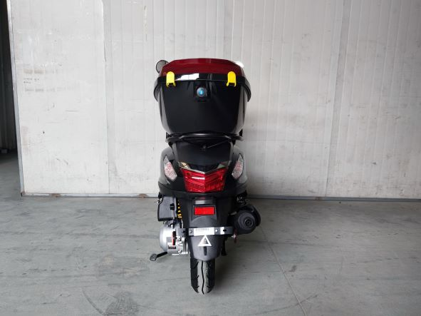 Roketa MC-172-150 Scooter